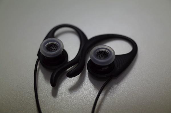 [iPhone][イヤホン]2000円切るスポーツイヤホン・イヤーフックRS Earphone を装着しランニングしてみたよ