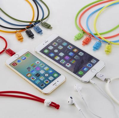 [iPhone]人柱になってみた「Lightningコネクター用のネックストラップ」が落下防止に威力を発揮する