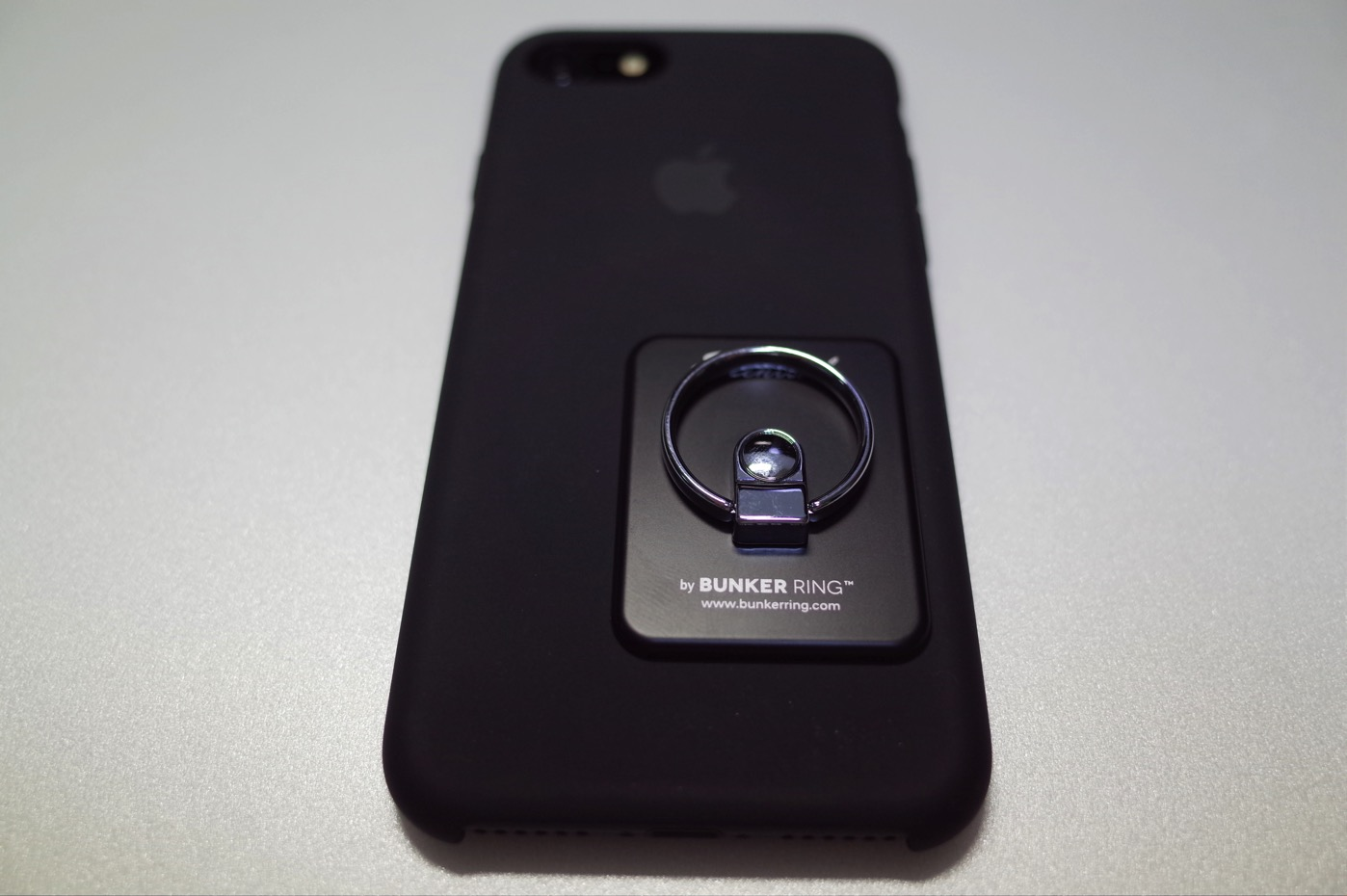 [iPhone]iPhone 7 を片手で快適に操作できるよう耐久性抜群のバンカーリング(Bunker Ring)を購入したよ
