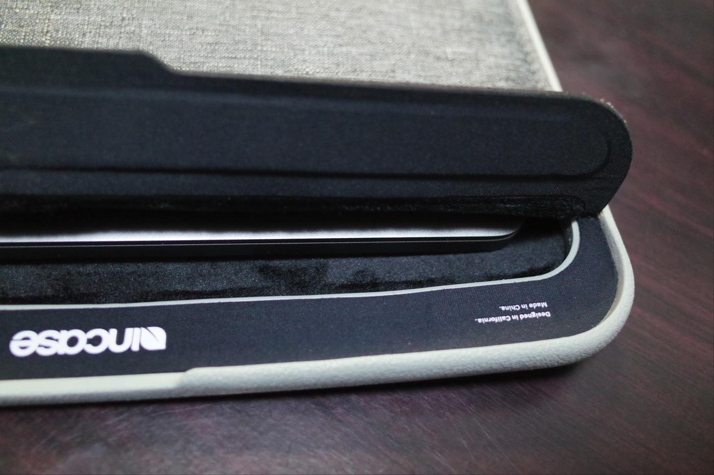 「Incase ICON sleeve for MacBook Pro」-4