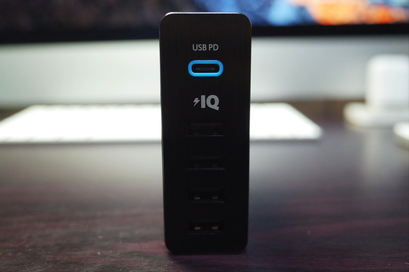 Anker PowerPort+ 5 USB-C Power Delivery-6