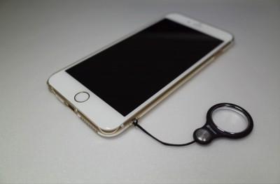 [iPhone]ストラップホール付きBUFFALO iPhone6 Plus 5.5 inchモデル イージーハードケース クリアにネックストラップを付けてみたよ