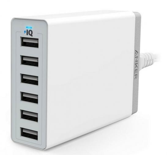 [Anker][Amazon]Anker 60W 6ポート USB急速充電器が2,999円で発売!コスパ最高の充電ステーション!