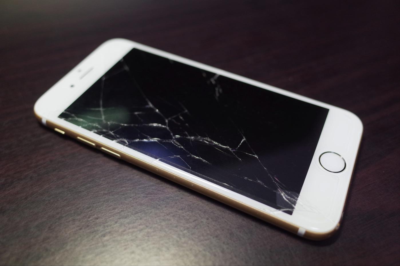 [iPhone]やってしまった!iPhone 6がこんな状態に