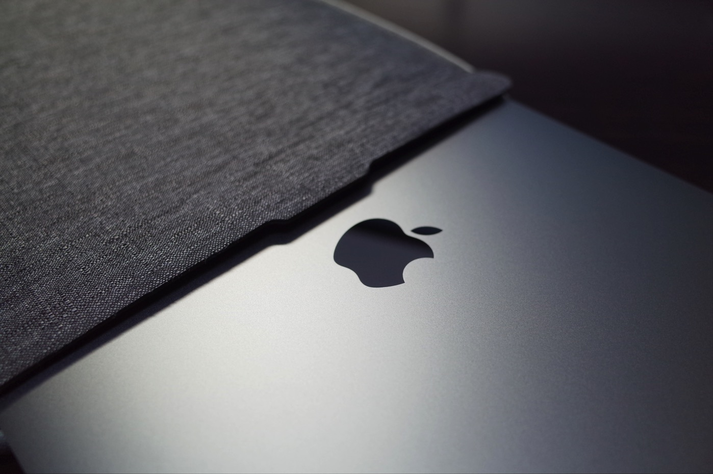 「Incase ICON sleeve for MacBook Pro」-3