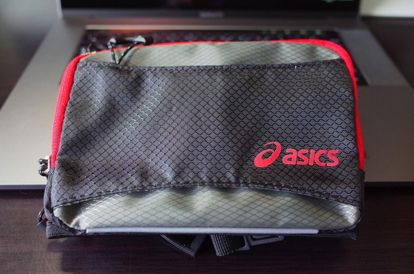 アシックスのウエストバッグ-1