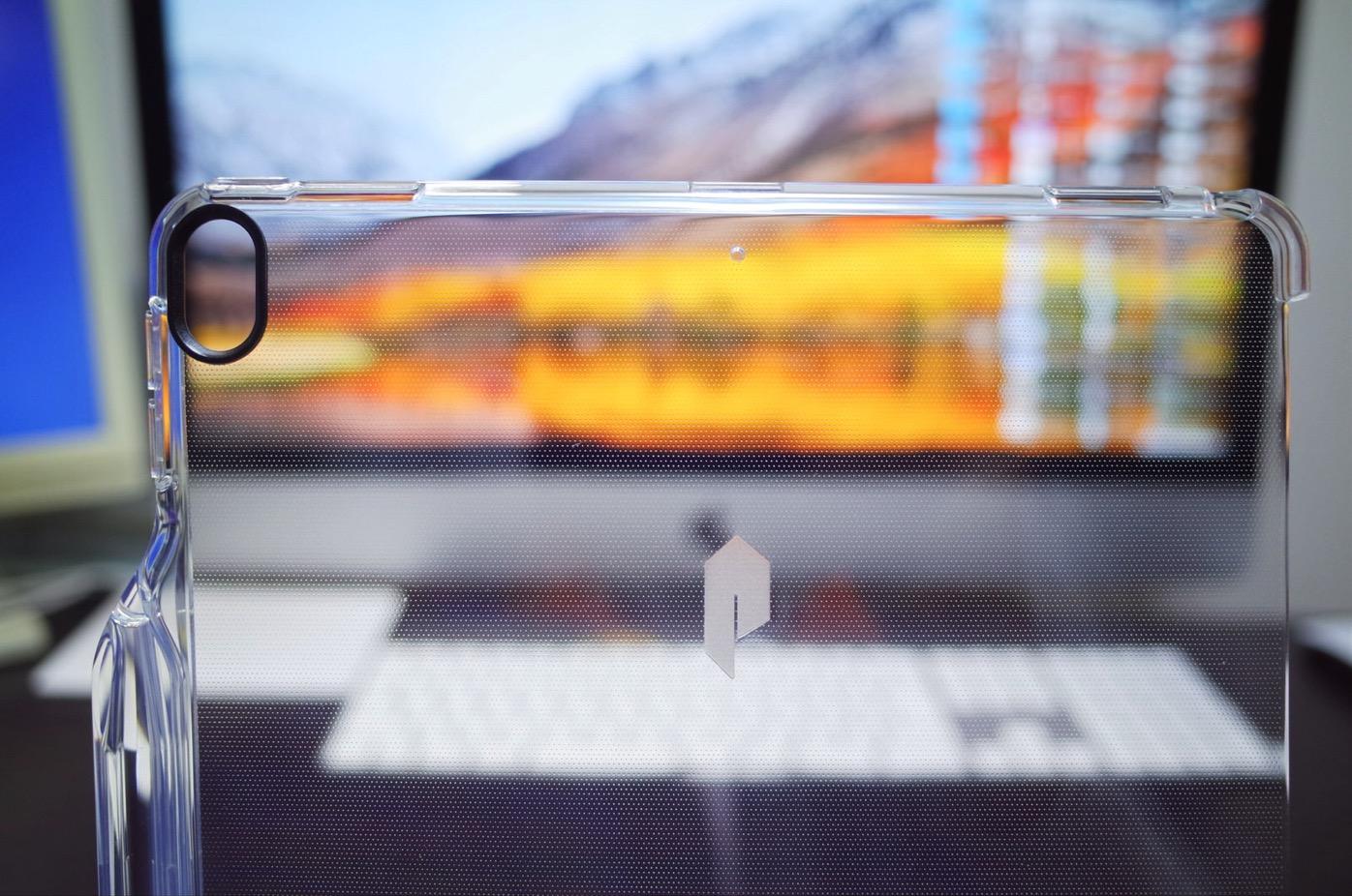 iPad Pro 10.5 ケース Poetic -[Lumos Series]- アップル 10.5型 アイパッド プロ 対応 [ウルトラスリム] [TPU製 ケース] Smart Keyboard 対応 Apple Pencil 収納スロット付き (クリスタルクリア)-4