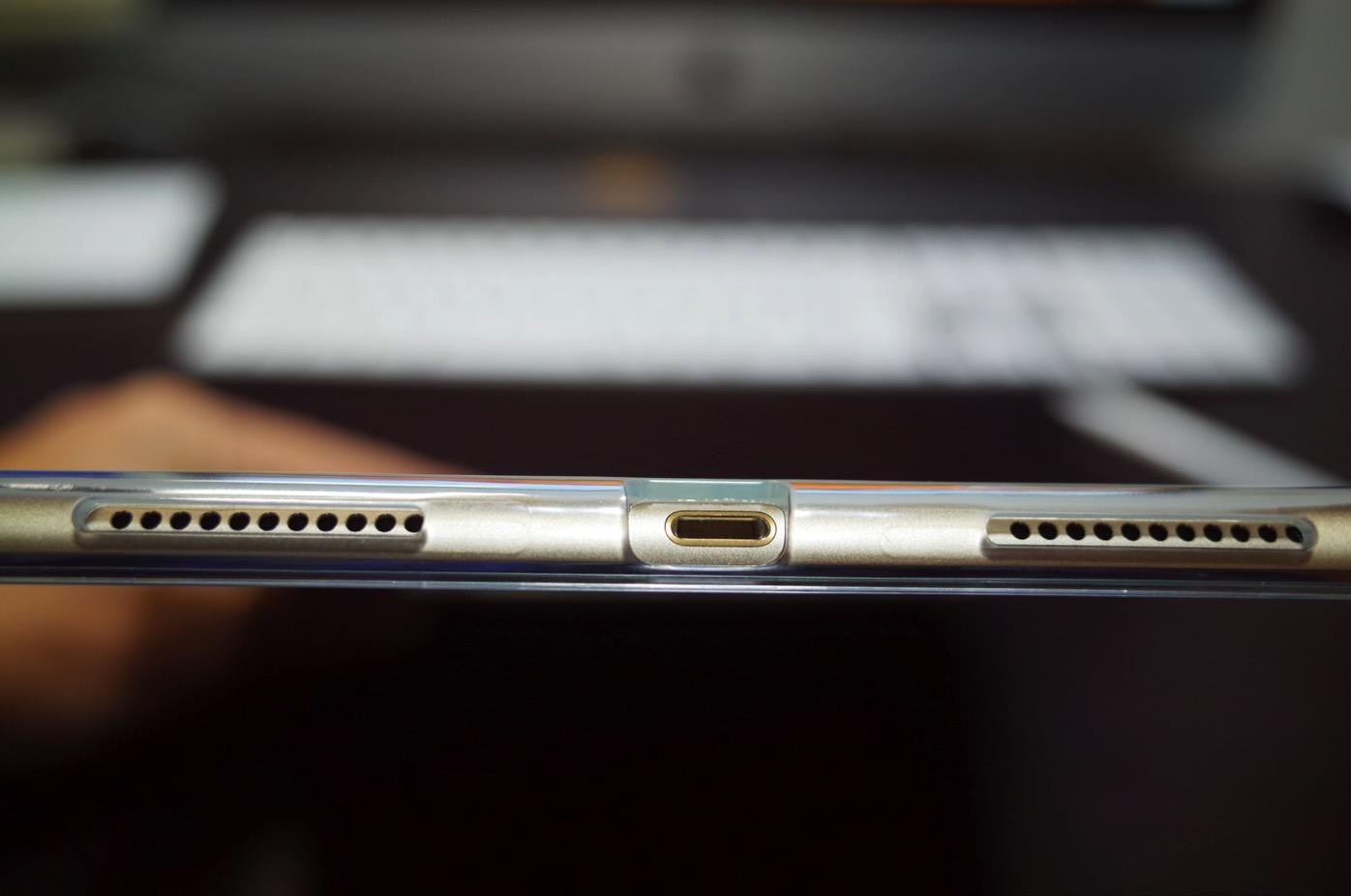 iPad Pro 10.5 ケース Poetic -[Lumos Series]- アップル 10.5型 アイパッド プロ 対応 [ウルトラスリム] [TPU製 ケース] Smart Keyboard 対応 Apple Pencil 収納スロット付き (クリスタルクリア)-11