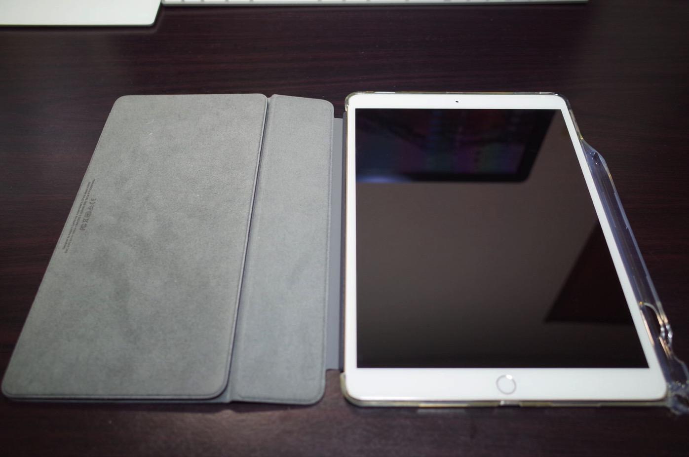 iPad Pro 10.5 ケース Poetic -[Lumos Series]- アップル 10.5型 アイパッド プロ 対応 [ウルトラスリム] [TPU製 ケース] Smart Keyboard 対応 Apple Pencil 収納スロット付き (クリスタルクリア)-12