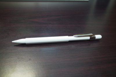 [iPad Pro]マグネット付きシリコン製 Apple Pencil用グリップを使ってiPad Proに書いたら手も疲れなくてとても快適な件
