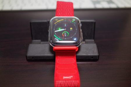 [Apple Watch]ちょっとしたことだけどソフトで通気性が良くしかも軽量なスポーツループを簡単に装着する一つの方法