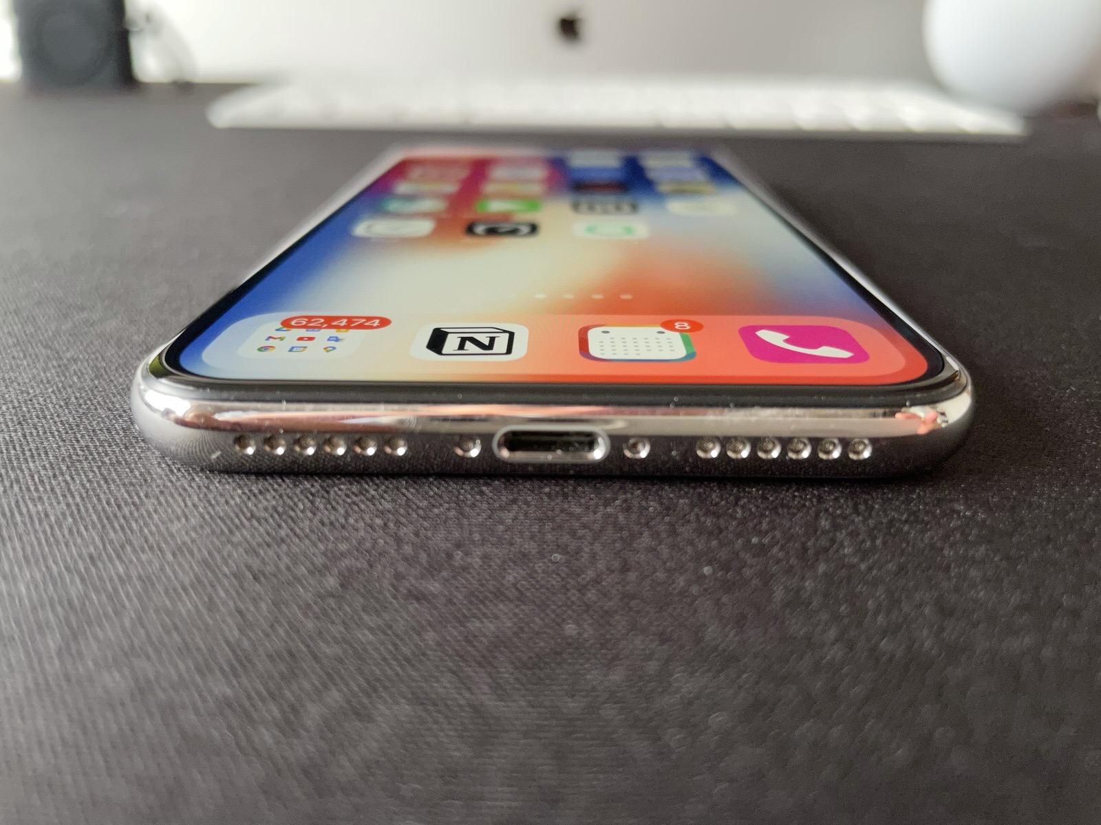 iPhone X−4