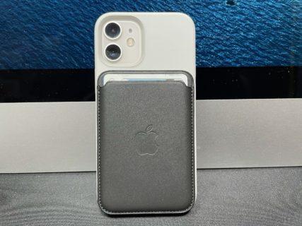 [iPhone]約1ヶ月待ちで入手した MagSafe対応iPhoneレザーウォレット – ブラック がジャストフィットして更に操作感が増大したよ