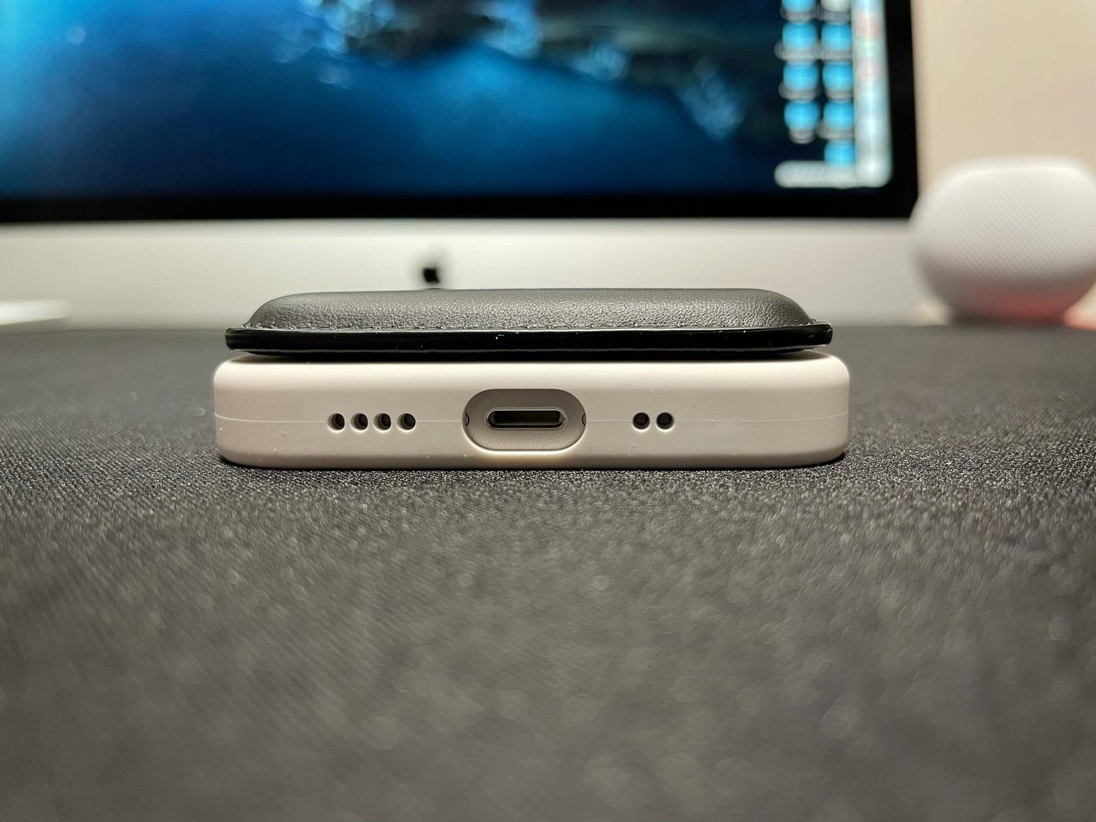MagSafe対応iPhoneレザーウォレット - ブラック−16