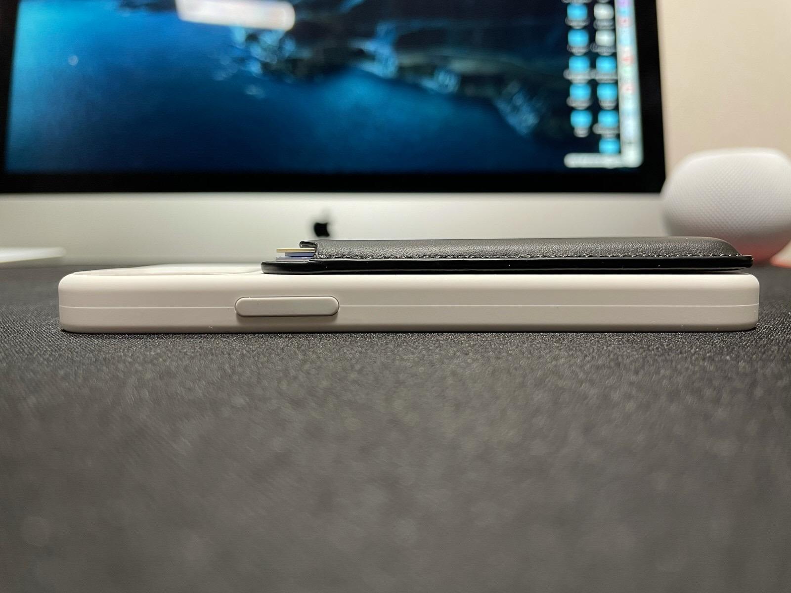 MagSafe対応iPhoneレザーウォレット - ブラック−17