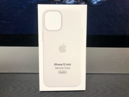 [iPhone]純正シリコンケースが届き 着々と iPhone 12 mini を迎える準備が整備されています